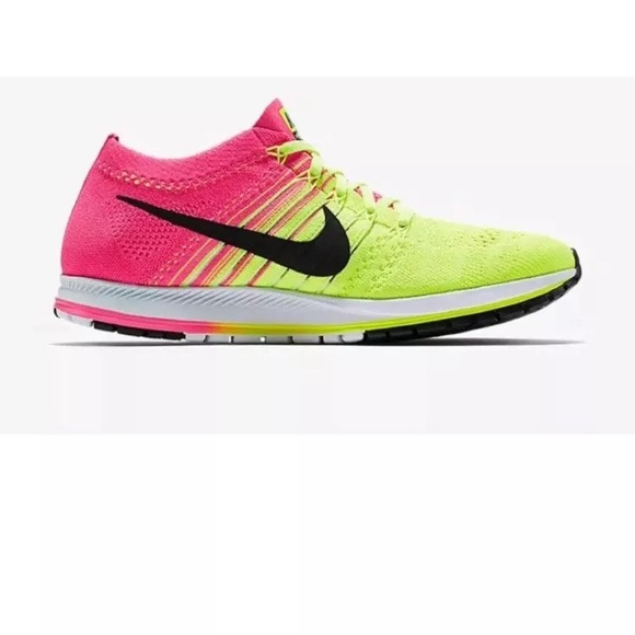 efd46e42c17f Nike Air Zoom Flyknit Streak Running Shoes